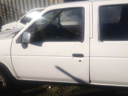 2 xnissan navara sell complete for parts 1989 600 for 2 firm