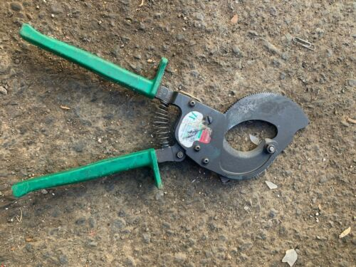 Greenlee ratcheting cable cutter 760