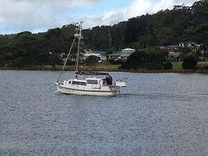 21 ft queenscliff fibreglass couta boat Smithton Circular Head Preview