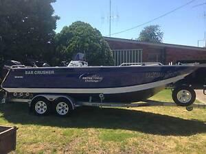 Bar Crusher 670 XS Centre Console - Mean Fishing Machine Parkes Parkes Area Preview