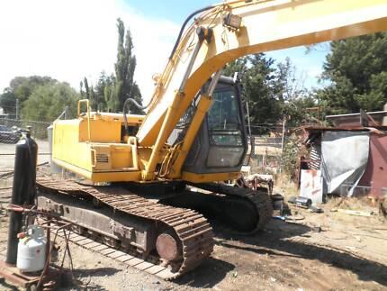 earthmoving equipment for hire