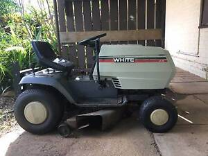 Ride on Lawnmower Pullenvale Brisbane North West Preview