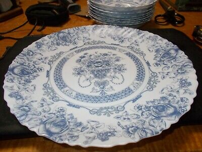 VINTAGE ARCOPAL HONORINE BLUE AND WHITE DINNER PLATE 10 1/4  MADE FRANCE