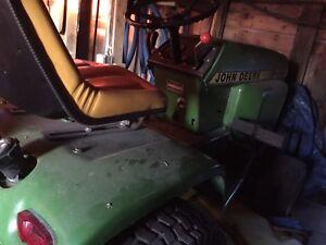 John Deere lawn mower with hydraulics!