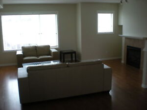 Laffont 1-240  - END UNIT TOWNHOUSE!
