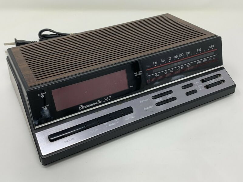 Vintage Realistic Chronomatic 267 Digital AM/FM Alarm Clock Radio Shack 12-1577