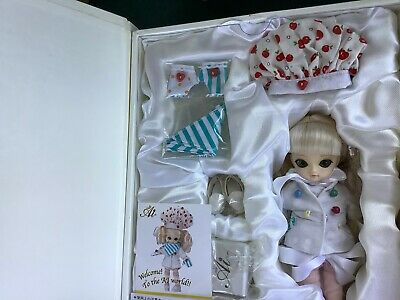 JUN PLANNING AI BALL JOINTED FASHION PULLIP DOLL GROOVE INC LAWN DAISY Q-704