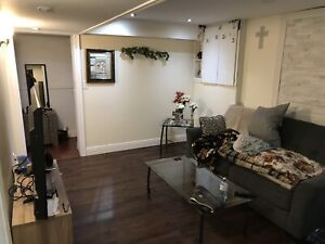 Couple Room For Rent Find Local Room Rental Roommates In