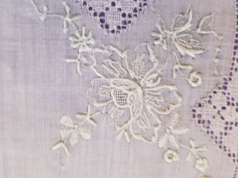 ANTIQUE MADEIRA LINEN HAND EMBROIDERED FLORAL BRIDAL HANDKERCHIEF HANKY