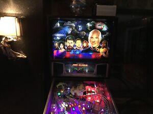 Star Trek Pinball Machine a boule