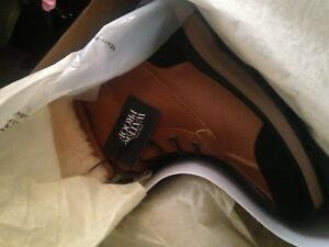 Brand New Ugg - Size 7 for Women