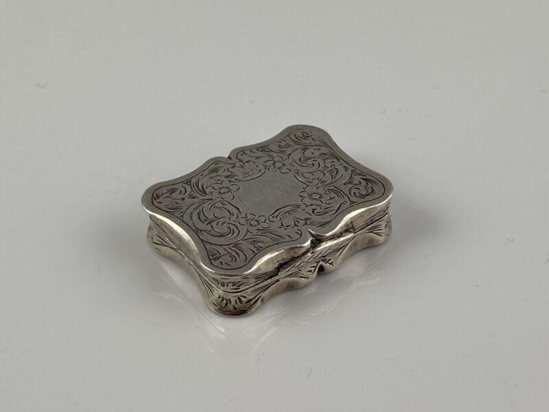Hallmarked Silver Nathaniel Mills Vinaigrette Birmingham 1858 Excellent