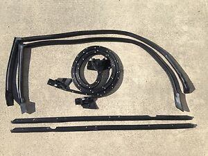 83-88 Monte Carlo SS 6 pc Roof Rail, Outer Sweeps, and Door Weatherstripping Kit