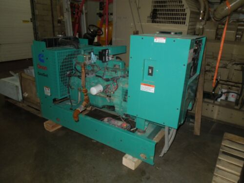 Onan Cummins Generator 35kW 43.8KVA 120/208-277/480V 3ph 120/240V 1ph 160 Hours