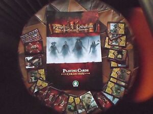 album-raccoglitore-Pirati-dei-caraibi-ai-confini-del-mondo-giochi-preziosi