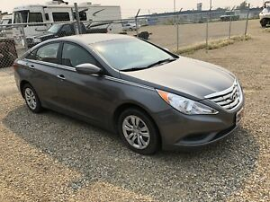 2013 Hyundau sonata gle new tires and windshield fully inspected