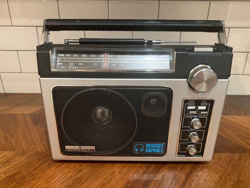EXCELLENT Vintage GE SUPERADIO II 7-2885D Long Range AM/FM Radio WORKS GREAT