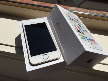 iPhone 5s gold good condition unlocked bonus accessories  Epping Whittlesea Area Preview