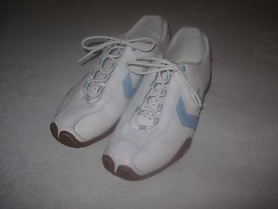 CONVERSE WHITE LEATHER LACE SHOES-8.5(W)/7(M)-WORN TWICE-EXC.-CLEAN-BLUE ACCENTS