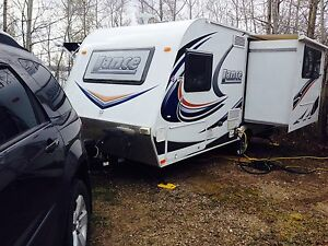 2012 Lance 1575 20' Trailer Ultra Light