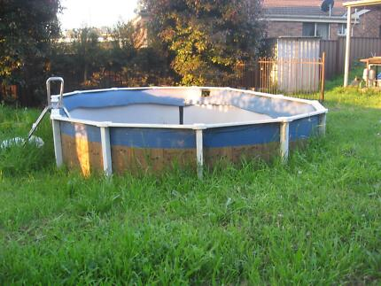 Semi-inground pool with pump and filter: Need to sell urgently! Appin Wollondilly Area Preview