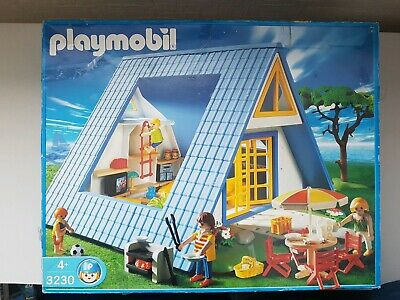 VINTAGE PLAYMOBIL 3230  FAMILY VACATION HOME WITH ACCESSORIES & FIGURES