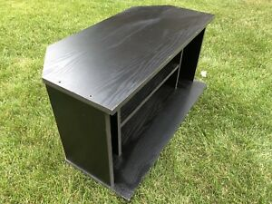 TV stand - great condition, on rollers