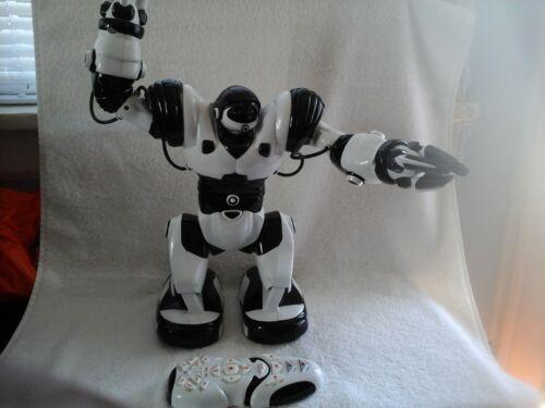 Robosapien Toy Robot with controller