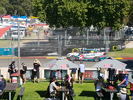 Adelaide 500 and Robbie Williams