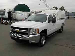 2007 Chevrolet Silverado 2500HD Extra Cab Long Box 4WD w/ Canopy