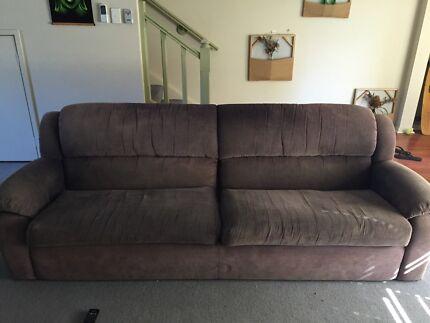 4 seater sofa Coolangatta Gold Coast South Preview