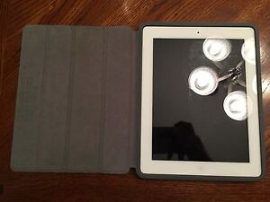 Apple iPad 2 32 gb with smart case