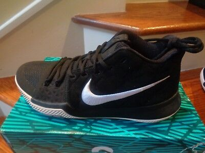 ed1768a2313 Nike Kyrie 3 Size 9.5 Top Deals   Lowest Price