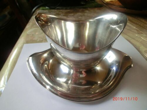 rogers & bro silverplate pattern vintage gravy boat with attached plate 1847