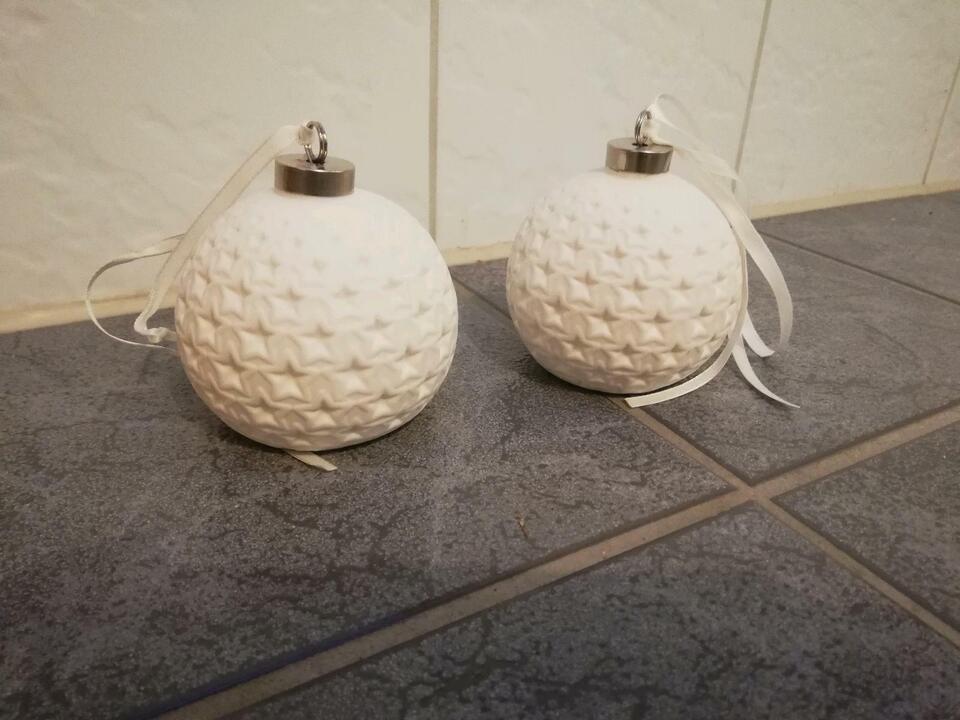 2x schöne Lumida Ceramica Porzellan Kugeln, 3D Sternmotiv, Timer in Bergen