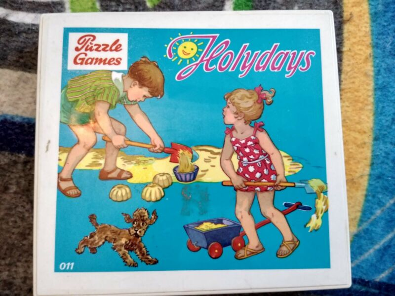 VINTAGE S&S TOYS HOLYDAYS  3 PUZZLES GAMES WEST GERMANY PLASTIC