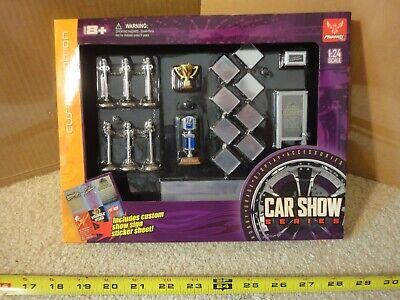 Phoenix toys 1/24 scale Car Show diecast model car, Homies Lowrider display set.