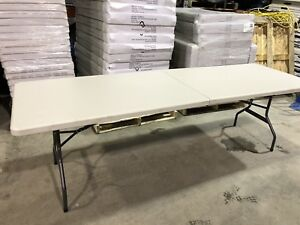 Lot 10 table neuve de 8 pied