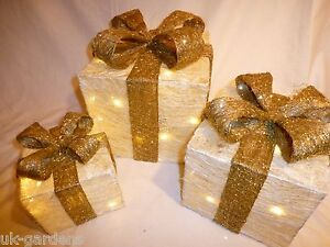 Set Cream And Gold Pre-Lit Christmas Parcels Light Up Indoor Outdoor Decoration