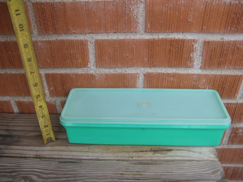 Vintage *** TUPPERWARE *** Jadeite Green Vegetable Container USA