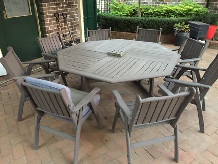 8 Person Hardwood Outdoor Table And Chair Setting