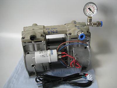 Vakuumpresse Boardselbstbau Thomas Vakuumpumpe USA  -930 mbar 120l/min Ölfrei!