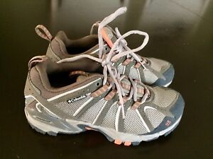 Columbia hikers size 7.5, pick up in Kingsville