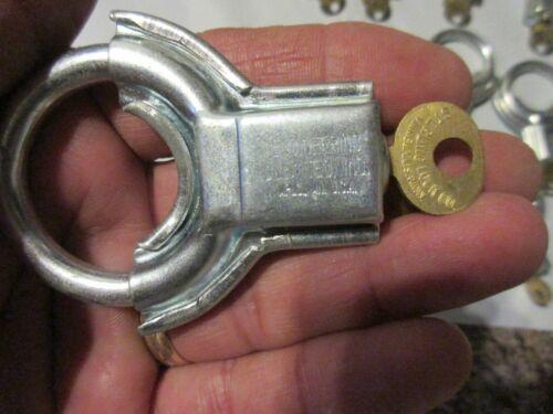 1 VINTAGE STERLING JR CIRCULAR SHACKLE PADLOCK LOCK w KEY NOS