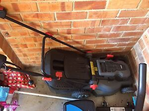 Ozito electric lawn mower Greensborough Banyule Area Preview
