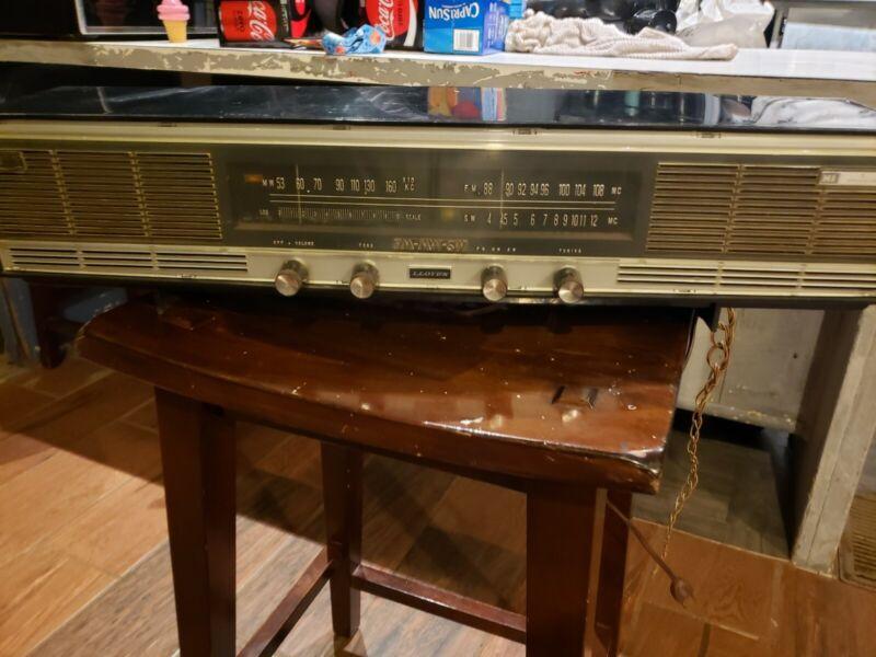 Vintage Lloyds TM-939 Retro Radio AM / FM / SW Mid Century With Box