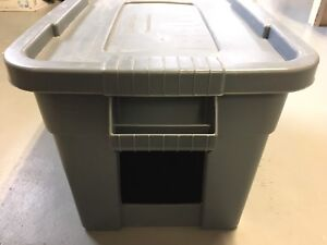 Partially Insulated Outdoor Cat Shelter