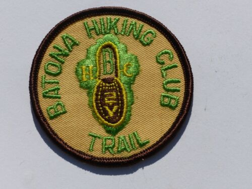 """Vintage BATONA HIKING CLUB TRAIL """"Back to Nature"""" Embroidered Patch Pennsylvania"""