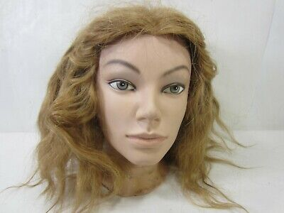 Model head old woman resin glass eyes of the 60s70s