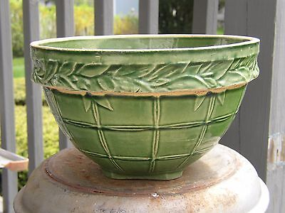 "9"" Vintage McCOY? GREEN Pottery WINDOWPANE LEAF BAND Yellow Ware Stoneware Bowl"